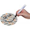 Met een watervaste pen kunt u hier heel eenvoudig uw eigen boodschap of motief op aanbrengen. (ondanks all over veredeling met UV-lak)