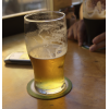 Bierviltjes leveren wij in het typische ronde of vierkante formaat / afbeelding ©iStockphoto.com/sheck